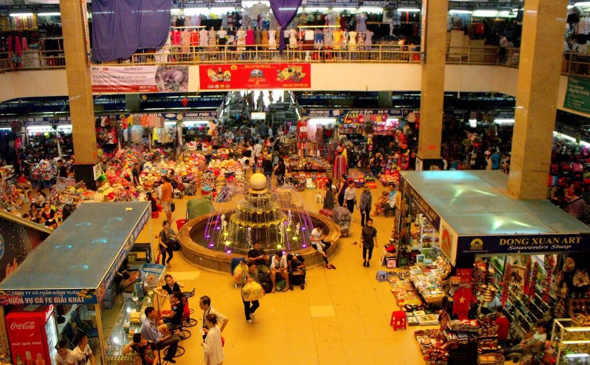 Dong Xuan Market - A great shopping place in Hanoi - Vietnam shopping for Muslim travelers - Yallavietnam